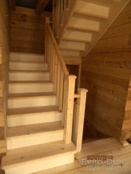 Деревянные лестницы на второй этаж купить в Минске